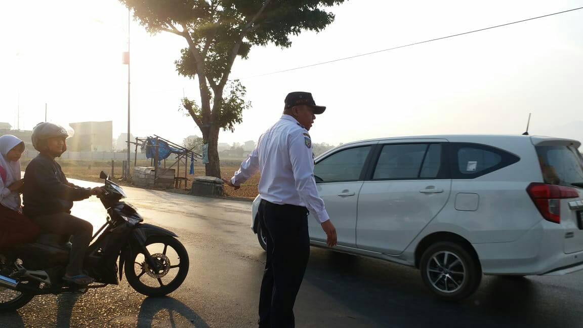 Giat Rutin Pelayanan Gatur Lalin Pagi di Titik- Titik Simpul Kemacetan