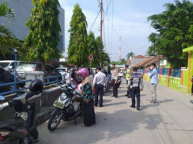 Penertiban Parkir Liar di bahu jalan