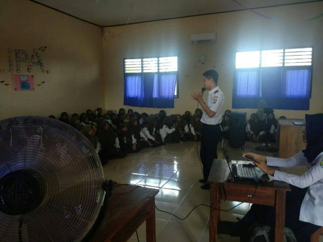 Sosialisasi Keselamatan Lalu Lintas di SMK Yasmida Ambarawa