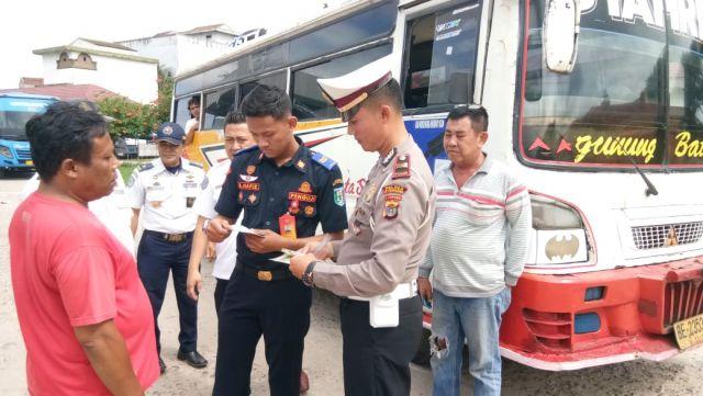 Pemeriksaan Laik Jalan Kendaraan Bus dan Angkutan Barang